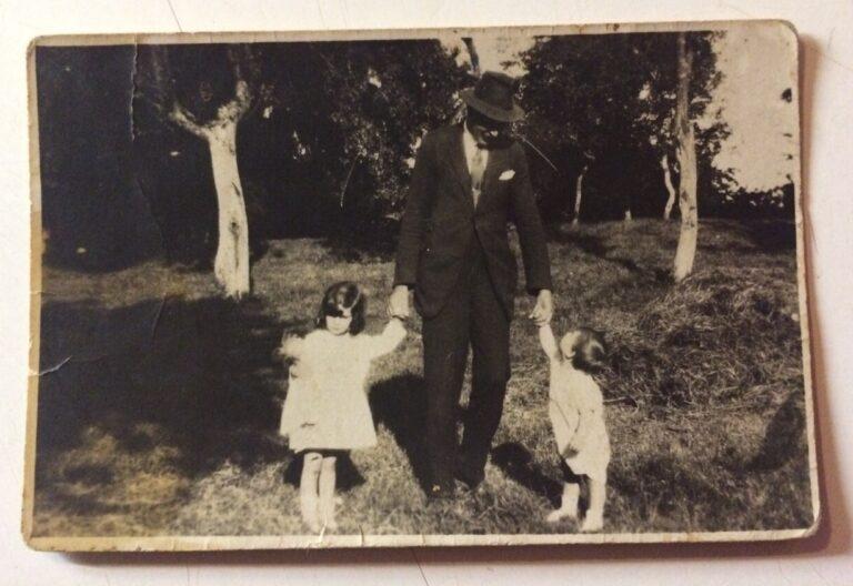 Count Miklos Bethlen with kids