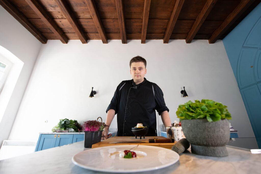 Bethlen Estates' Chef de Cuisine, Robert Tordai